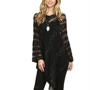 👛Black Crocheted Sequin Poncho (ONE SIZE)👛
